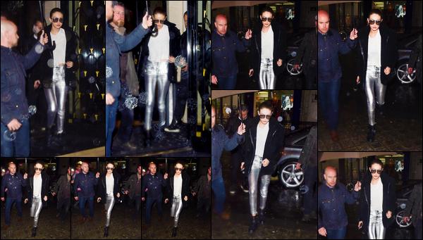 - '-01/03/17-' ◊GGigi Hadid a été photographiée alors qu'elle sortait de son hôtel dans notre capitale, à Paris. C'est ainsi, la nuit tombée, que nous retrouvons Gigi de sortie avec ce mauvais temps. tenue assez simple en dehors du bas, un bof ! -