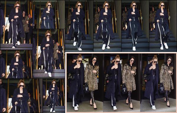 - '-22/02/17-' ◊Gigi Hadid a été photographiée alors qu'elle quittait son hôtel en compagnie de Bella, à Milan. C'est encore sur le sol Italien que nous retrouvons Gigi cette fois-ci accompagnée de sa soeur alors qu'elle sortait de son hôtel, un bof ! -