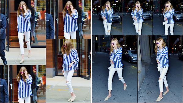 - '-04/06/17-' ◊Gigi Hadid a été photographiée alors qu'elle venait de sortir de son appartement, Manhattan. Plus tard la nuit tombée, Gigi a été photographiée alors qu'elle arrivait au restaurant « Nobu » également situé dans New-York. Un flop. -