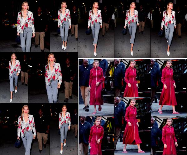 """- """"─-29/07/17-•"""": Gigi Hadid a été photographiée en direction d'un restaurant pour aller dîner dans New-York. Plus tôt, notre belle mannequin a été photographiée alors qu'elle était présente sur le set d'un photoshoot. Hâte de voir le résultat. Top ! -"""