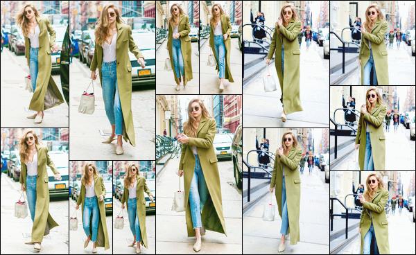 - '-27/01/17-' ◊Gigi Hadid a été aperçue alors qu'elle était en train de se promener dans les rues de New-York. C'est dans une tenue pour laquelle je lui accorde un beau et grand top que nous retrouvons notre belle mannequin dans les rues de NY. -