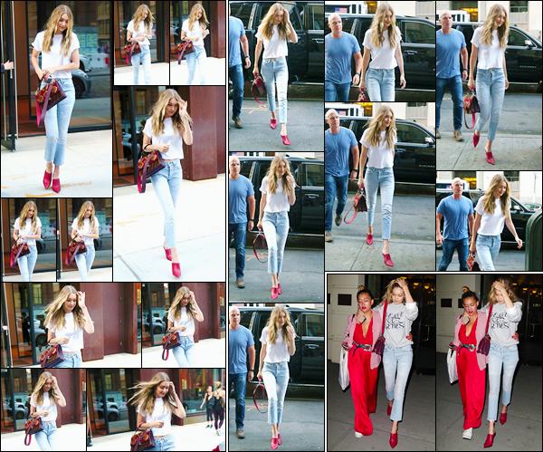 """- """"─-28/08/17-•"""": Gigi Hadid a été vue alors qu'elle venait juste de quitter son appartement situé à Manhattan. Gigi H. a été vue arrivant aux bureaux de « IMG Models », puis, dans la soirée, quittant ces mêmes bureaux où avait lieu une fête, N-Y ! -"""