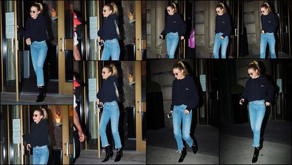 """- """"─-12/09/17-•"""": Gigi Hadid a été aperçue en sortant tout juste d'un bâtiment étant situé dans New-York City. C'est ainsi de nuit que nous retrouvons notre superbe mannequin dans les rues de New-York. Look assez classique mais sympa, un top ! -"""