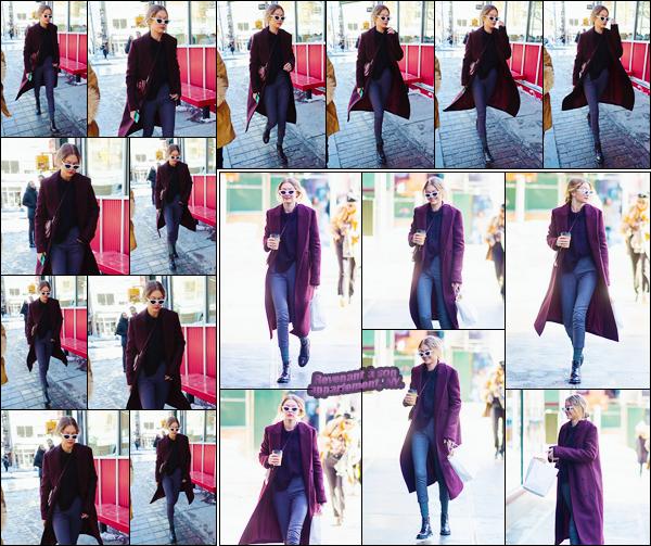 - ''•-06/01/18-' : Gigi Hadid a été photographiée alors qu'elle se promenait dans les célèbres rues de New York. C'est ainsi dans New-York que nous retrouvons notre superbe mannequin qui a été vue plus tard rentrant à son appartement, petit bof ! -