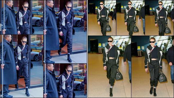 - ''•-24/01/18-' : Gigi Hadid a été aperçue alors qu'elle venait de quitter son appartement situé dans Manhattan. C'est par la suite à l'aéroport : « JFK » que nous retrouvons Gigi Hadid, prête à se rendre à Tokyo pour le lancement de MaybellinexGigi ! -