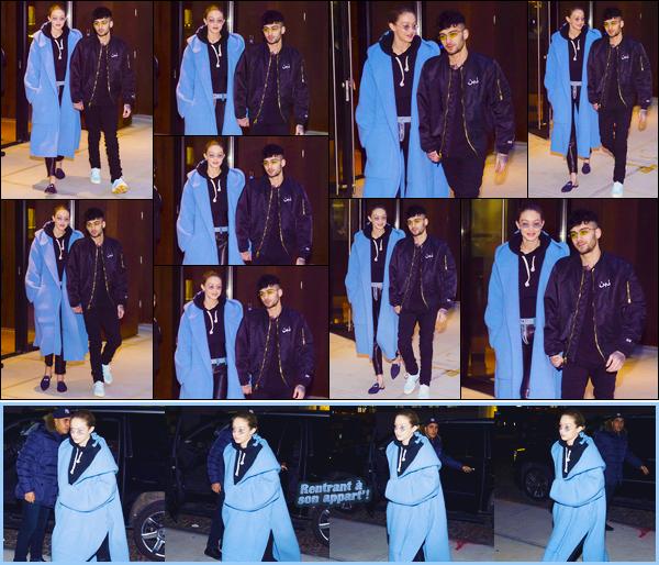 -  ''•-29/01/18-' : Gigi Hadid a été aperçue alors qu'elle venait tout juste de quitter son appartement, Manhattan. C'est en compagnie de son petit ami que nous retrouvons notre ravissante mannequin à la sortie de son appartement. J'offre un petit bof. -