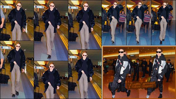 - ''•-26/01/18-' : Gigi Hadid a été aperçue alors qu'elle arrivait à l'aéroport :« Haneda »,étant situé dans Tokyo. C'est après avoir réalisé le lancement de « MaybellinexGigi » que notre mannequin a été vue quittant Tokyo pour renter à New-York City. -
