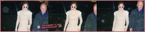- ''•-07/02/18-' : Gigi Hadid a été vue alors qu'elle était en train de quitter son appartement, situé à Manhattan. C'est avec ses lunettes de soleil sur le nez que nous retrouvons notre jolie blonde, cheveux détachés, à qui j'accorde par ailleurs un bof ! -