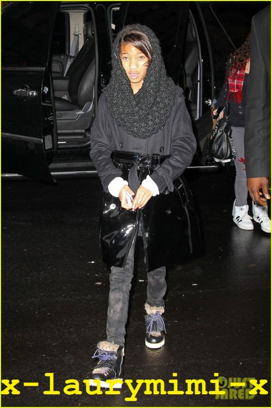 Willow Smith sortant et entrant dans son Hotel a NYC