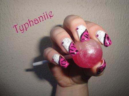 Nail art panthère rose :o