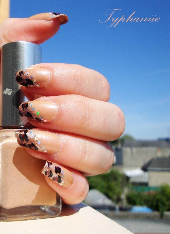 Nail art panthère