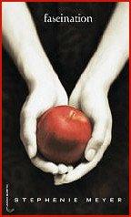 Saga Twilight (saga du désir interdit) - Stephenie Meyer Je suis une fan de première heure de la saga twilight. En effet j'ai lu les livres en une semaine.Bien sur j'ai bien aimé les 2 premiers films qui ont été faits mais pour moi les livres restent meilleurs. Mon préféré c'est le tome 3, malheureusement cinématographiquement parlant ce fut un désastre.