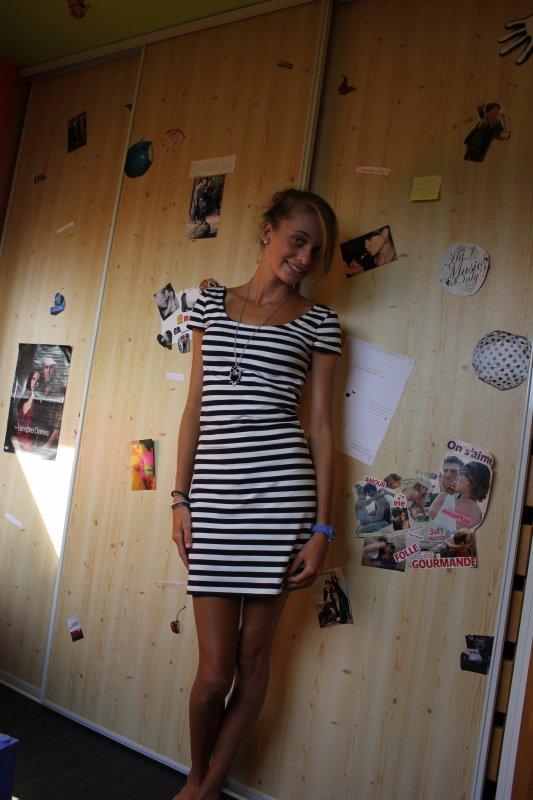 Si une femme est mal habillée, on remarque sa robe, mais si elle est impeccablement vêtue, c'est elle que l'on remarque..