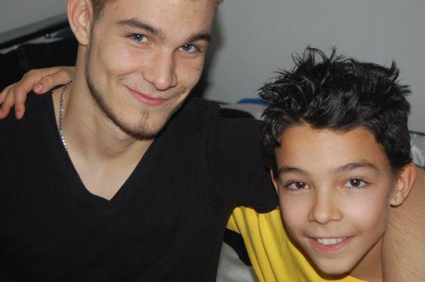 ● Y E A ▐▬▌ !   Mon frère je t'aime<3<3<3 ● Y E A ▐▬▌ !