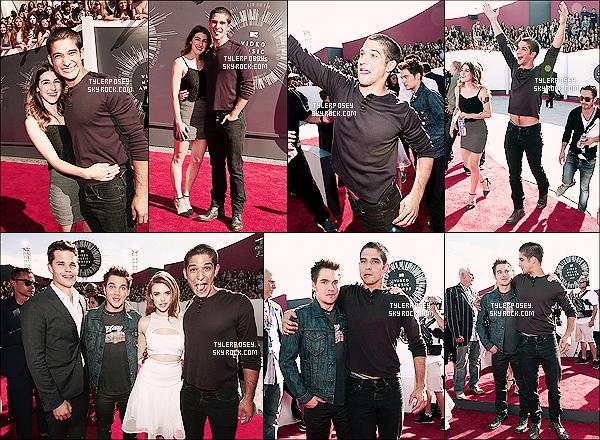 24/08/14 : Tyler a assisté aux MTV Video Music Awards 2014 qui ont eu lieu hier soir à Los Angeles Il fut accompagné comme presque à chaque fois de sa jolie fiancée Seana