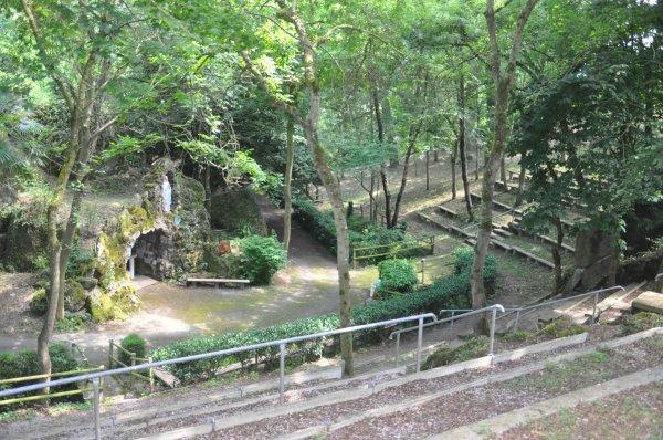 Lundi 17 juin 2019 : Pouillé Les Côteaux et la reproduction de la Grotte de Lourdes (5)