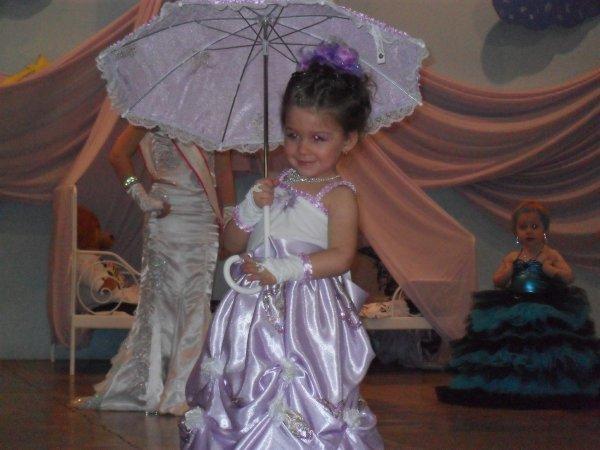 sarah miss pyjama a raimbeaucourt le 26.3.2011 en tenu de soire