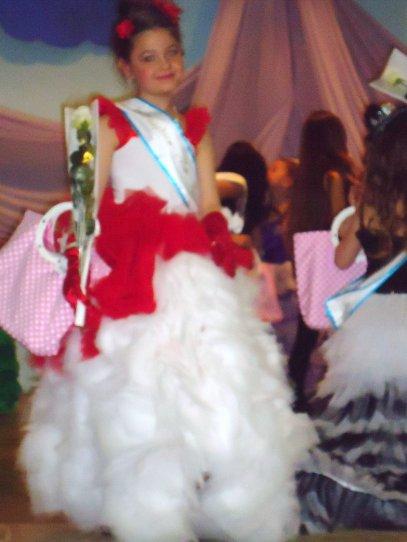 laura a ete elu 4ieme dauphine de miss pyjama a raimbeaucourt le 26.3.2011 categori 5/7ans