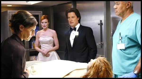 Saison 3 - Episode 1 : Un mariage et pas d'enterrement