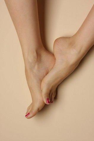 Les pieds aussi.
