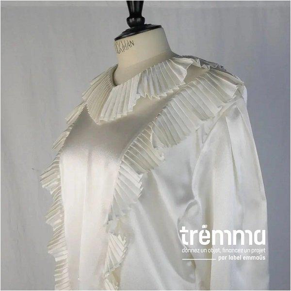 Clara Luciani donne un objet pour soutenir un projet solidaire sur le site Trëmma