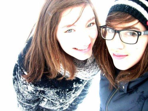 Melany & Charlène bien plus qu'un simple amitier ! (l)