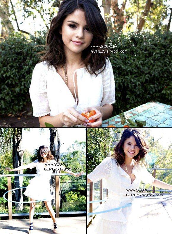Neuf avril deux mille onze: Selena et ses proches étaient au parc DisneyLand en Californie.