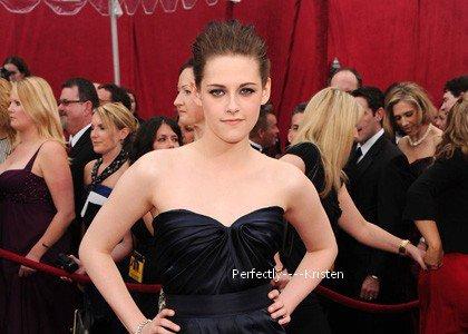 """Kristen élue : """"Célébrité de l'année"""" ! (d'après E! Online)"""