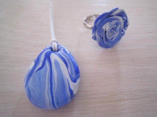 Pendentif et Bague bleu et blanc
