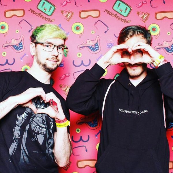 My YouTubers, I ❤ U 2 bro' ?