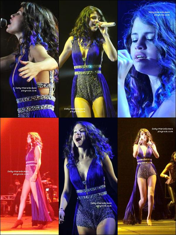 . Selena et son groupe performaient à l'Orfeo Superdomo de Córboda, le 07 février. .