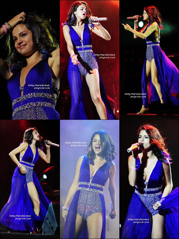 . Selena et son groupe performaient au Gimnasia y Esgrima à Buenos Aires, le 09 février. .