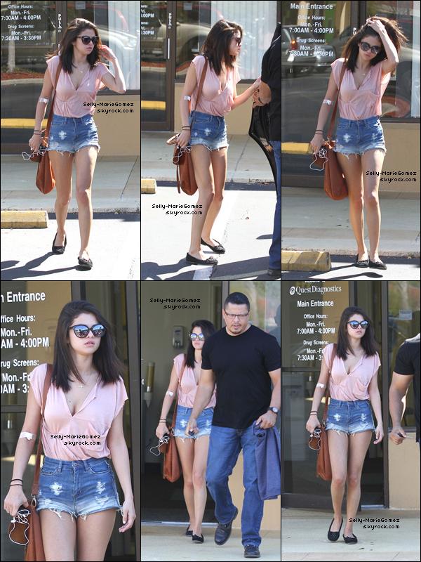 . Selena quittait un laboratoire pour une prise de sang à St Petersburg, le 02 mars. .