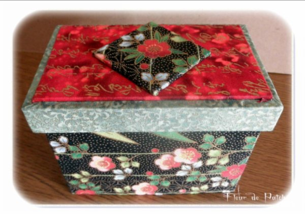 Cartonnage - boite échelle