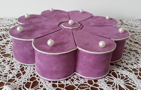 Cartonnage - boite fleur