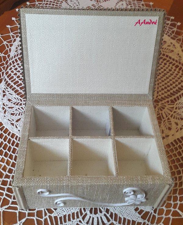 Dentelle de carton - boite à thé