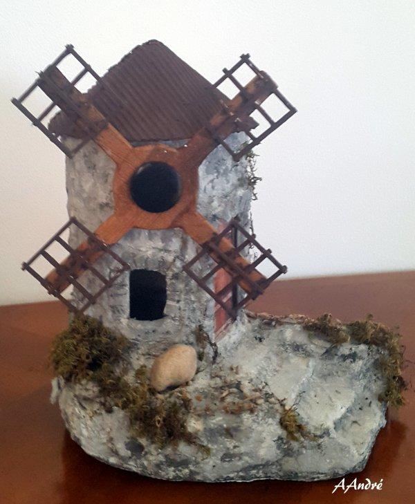 cartonnage - moulin pour la crèche