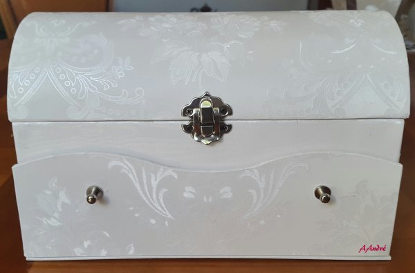 Cartonnage - coffret blanc