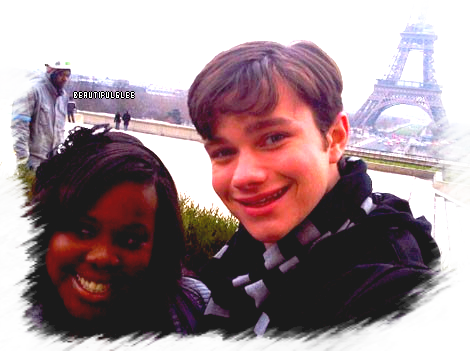 INTERVIEW CHRIS COLFER ET AMBER RILEY  A PARIS 21/12/2011
