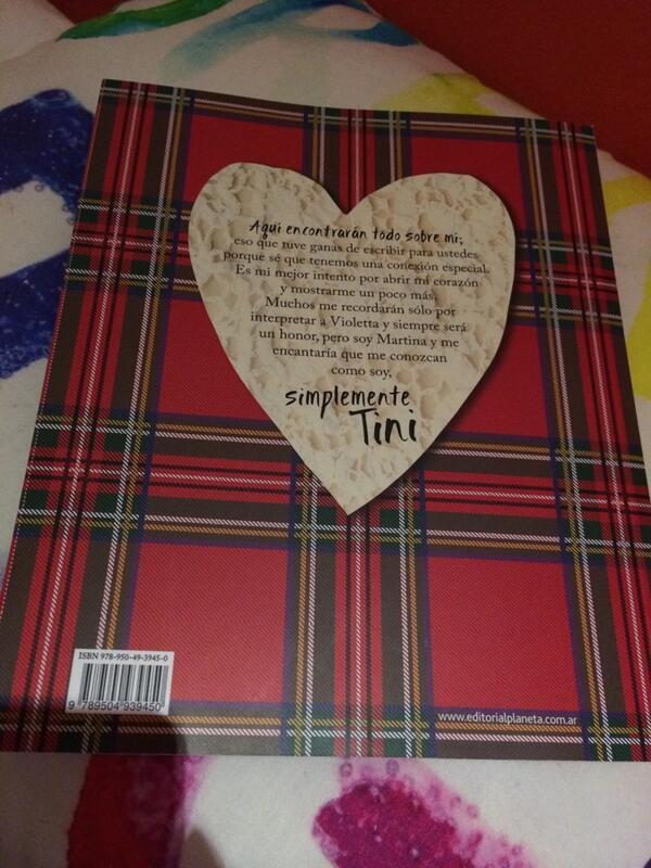 Le livre de tini: Simplemente tini j'ai hate de le lire il a l'air vraiment trop bien