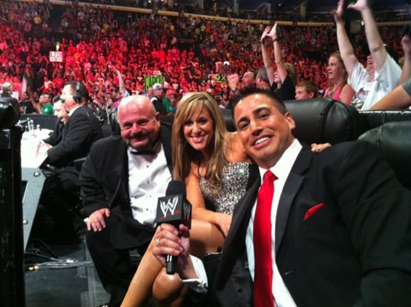 A pic from Raw 1000 episode