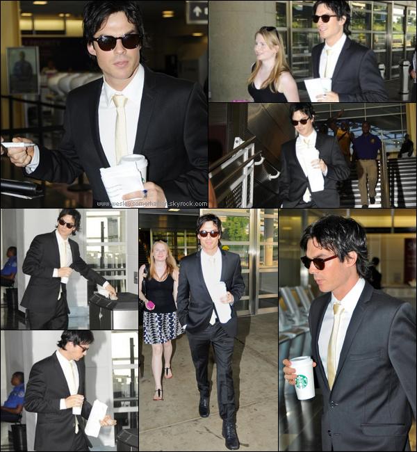 28 Juillet 2011 - Ian Somerhalder (tres classe) arrivant a l'aeroport de Ronald Reagan de Washington !