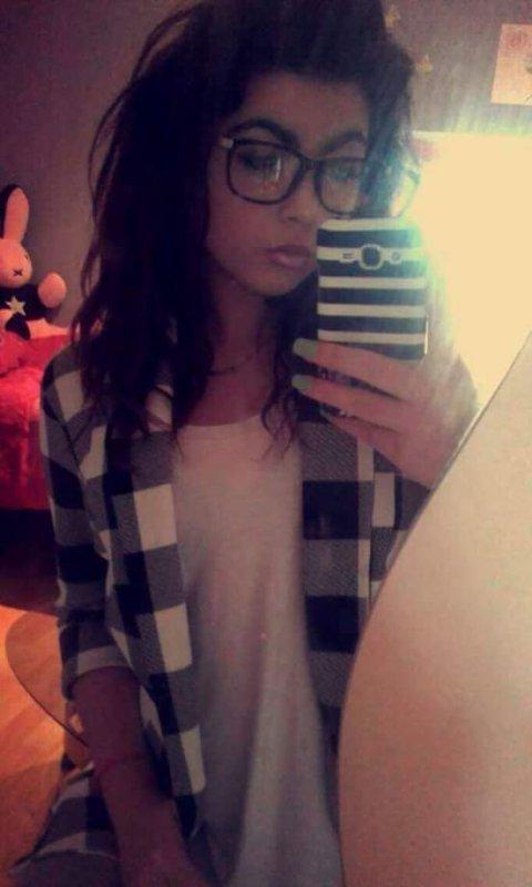 Les lunette  mes fais fille tros sexy haha