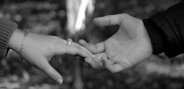 Un jour numéro 1 un jour on me calcul pas un jour tu m'sers la main un jour tu ne me voie pas