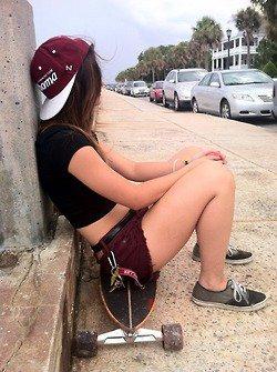 La vie c'est comme quelqu'un que tu croises dans la rue... Elle te sourit quand tu lui souris !