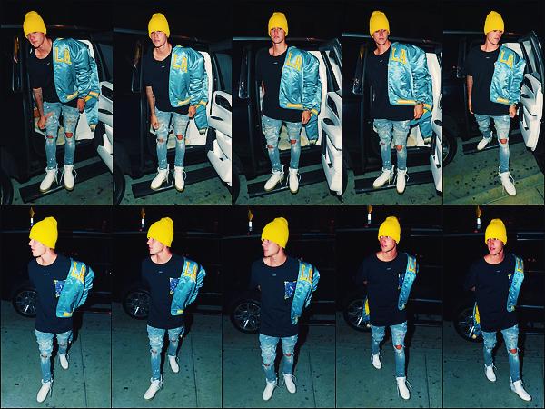 • 22 septembre 2017 || Le beau Justin Bieber à été photographié arrivant au « Catch » à Los Angeles. Le l'interprête et compositeur canadien à été vu sortant du restaurant. C'est dans une excellente tenue que le chanteur été de sorti. Top. •
