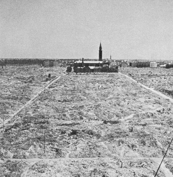 Destruction totale du ghetto de Varsovie, 1945.