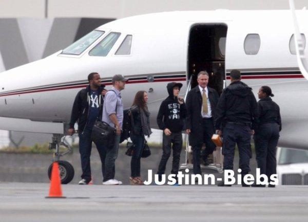 .    New : Justin voyage en jet privé !   .