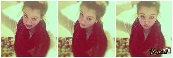 Je suis une princesse♥, je fɑis pipi rose, je pète des pɑillettes et rote des confettis.`