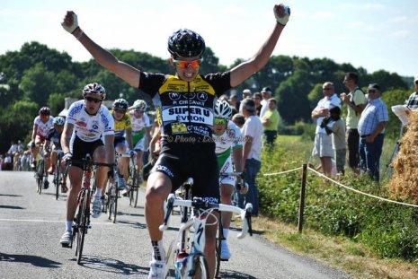 Victoire de Justin Mottier (CA Evron) ce dimanche à St Uniac